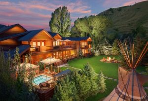 Spa-Suites-at-Rustic-Inn-Jackson-Hole-WY-11-500x342-min