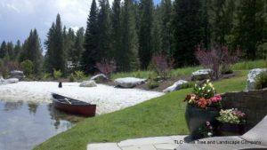 beach-and-canoe2-500x281